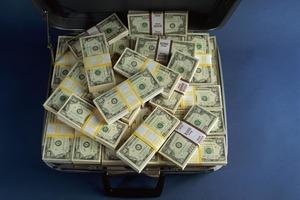 Триша Миллер из Миссури выиграла небольшую сумму в лотерею и решила потратить ее на новые билеты. Теперь она миллионер