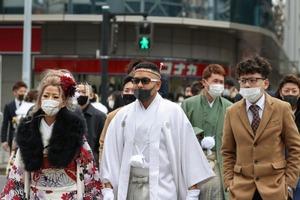 Зимние кимоно и загадывание желаний: в Японии празднуют День совершеннолетия, несмотря на всплеск COVID-19