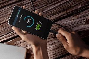 Обезопасить и улучшить батарею: тенденции смартфонов, которые предопределили будущее гаджетов в 2021 году