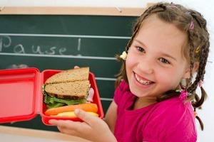 Мама рассказала, как приучила дочь самостоятельно планировать свое меню и регулировать питание