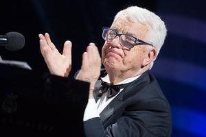 """""""Мы радуемся, что Раймонд жив, здоров, творит, работает"""": Паулсу 85 лет (как его поздравляли знаменитости)"""