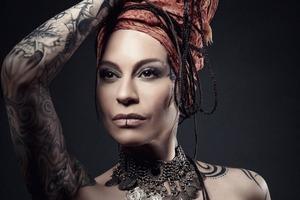 Как выглядела певица Наргиз без тату и пирсинга? Ольга Кормухина поделилась фото, на котором певице всего 16 лет