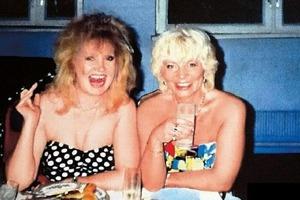 9 старых снимков звезд в бурных 90-х