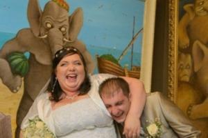 """""""А эта свадьба, свадьба, свадьба пела и плясала"""". 10 незабываемых фото со свадьбы"""