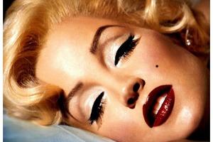 Прекрасная Мэрилин Монро... А так ли она хороша? Как выглядела любимица всех времен без макияжа - фото