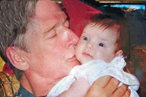 Когда не стало Александра Абдулова, его дочке было всего 9 месяцев. Сейчас 12-летняя Женя - копия папы