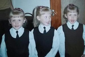 Три идентичных близняшки родились в 1987-м. Как они выглядят сегодня
