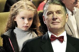 Гены дают о себе знать: единственная дочь Абдулова уже выросла. Она – красавица