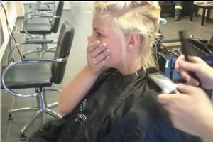 Парикмахер побрил девушке полголовы, но результат того стоил (фото)