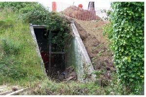 Девушка купила бункер времен Второй мировой войны. Когда к ней приходят гости, то не могут сдержать завистливый вздох
