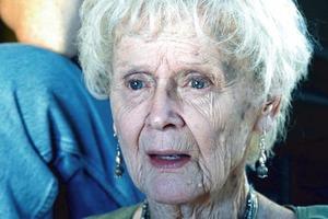 Актриса, сыгравшая в «Титанике» пожилую Роуз, в молодости была одной из самых красивых женщин в мире: фото