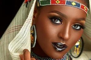 Красота в глазах смотрящего: женщина показывает редкую внешность жителей Африки
