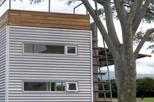 Мужчина живет в железном контейнере. Внутри его дом выглядит как фешенебельные апартаменты