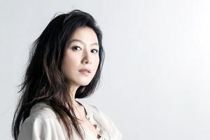 Как в 50 выглядеть на 20? Южнокорейская актриса Ким Хи Э поделилась секретами молодости