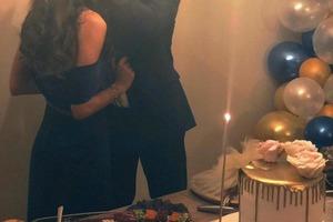 """Футболист """"Арсенала"""" Месут Озил женился на сказочной турецкой девушке. Ее красотой восхищается весь Интернет"""