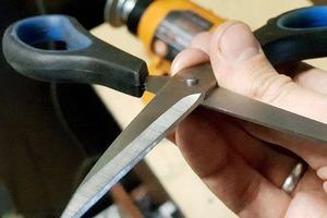Знакомая швея показала, как быстро наточить ножницы