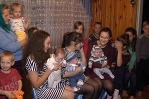Каждый год по ребенку... Как живет самая плодовитая мама Украины