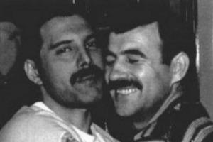 Запретная любовь: редкие фотографии Фредди Меркьюри и его бойфренда