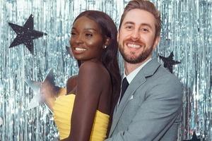 У пары с разным цветом кожи потрясающие дети: на кого похожи дочери Перкинсов