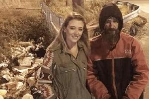 Бездомный отдал женщине последние 20 $: этот поступок изменил его жизнь