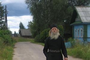 """""""Каждый день, когда выходишь из дома, не забудь сделать три вещи"""": сельский священник дал парню мудрый совет"""