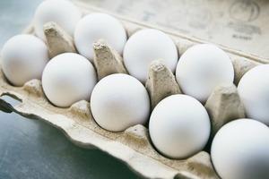 Специалисты рассказали, почему нельзя мыть сырые яйца перед приготовлением