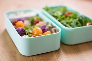 Как перестать работать на холодильник и тратить свою жизнь на стояние у плиты: несколько отличных способов сэкономить время и деньги