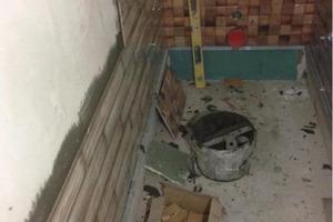"""Друг превратил обычный туалет в """"произведение искусства"""": фото до и после"""