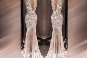 Женщина выбрала красивое платье, чтобы надеть его в день свадьбы дочери, и рассмешила Сеть. Пользователи посчитали, что мать ненавидит свою