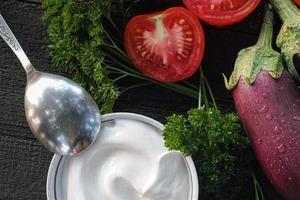Продавщица на рынке рассказала чудесный рецепт баклажанов в сметане: пока сезон, готовлю каждый день