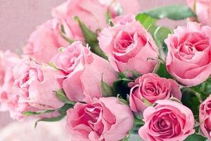 Каждому женскому имени соответствует свой цветок. Узнайте, какой из них - ваш