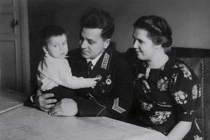 Зачем первого Героя Советского Союза прятали от всего мира