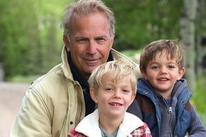 Кевин Костнер - актер, режиссер и отец семерых детей. Как сегодня выглядят сыновья и дочери секс-символа 90-х: фото