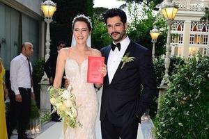 Красивейшая пара Турции: Бурак Озчивит и Фахрие Эвджен скоро станут родителями