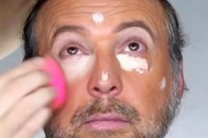 Парень тренируется на отце делать макияж: после его работы мужчину не узнать