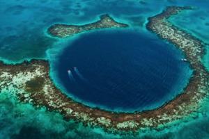 Скоро будет раскрыта тайна Большой голубой дыры - ученые решили заглянуть внутрь