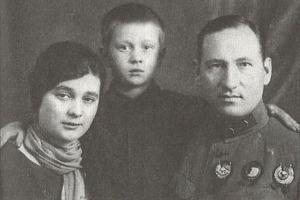 Почему гитлеровцы похоронили советского генерала Ефремова с почестями