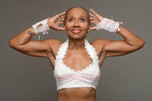 До старости она не знала, что такое спортзал: сейчас ей 82, ей завидуют молодые