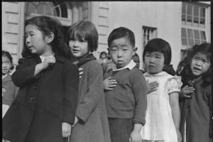 10 фото из японских лагерей, которые нельзя было показывать 60 лет
