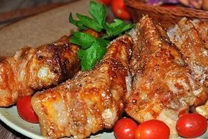Подруга приехала из Канады и приготовила ребрышки… Такого вкусного блюда я давно не пробовала: делюсь ее рецептом