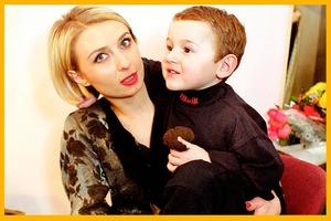В 1999 году Татьяна Овсиенко усыновила мальчика. Как сейчас выглядит ее сын и внук (новые фото)
