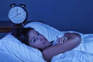 Почему некоторые просыпаются посреди ночи и не могут заснуть