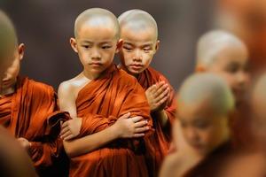 Не говорите другим о своих недостатках и планах. Советы буддистов: о чем следует молчать даже перед близкими людьми