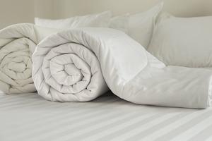 Соседка поделилась секретом стирки: теперь никогда не ношу одеяла в химчистку