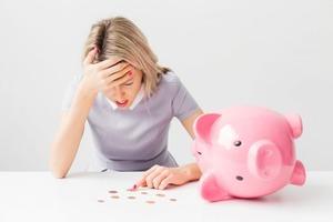 Годами на всем экономили, но однажды Ольга узнала реальную зарплату мужа