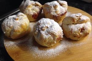 Ленивые булочки с яблоками и творогом я подаю на завтрак. Быстро и вкусно!