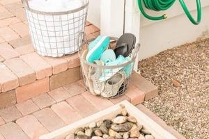 Очень удобное место для мытья ног или обуви: делаем его у себя во дворе