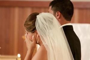 Разошлись, едва вышли из ЗАГСа: Галя, переодевшись в спортивный костюм, праздновала развод на собственной свадьбе