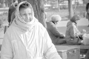 Зинаида Синицина по прозвищу Снегурочка: 16 лет на одном и том же месте она, будучи баснословно богатой женщиной, продавала мороженое