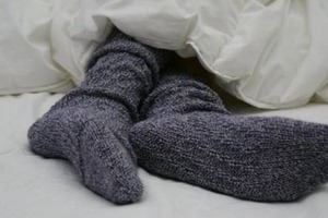 Спите в носках или без? По этому можно судить о характере и здоровье